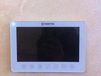 Смонтированный видеодомофон Tantos